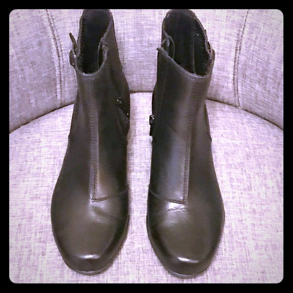 Clarks Shoes - COPY - NWOT Clarks Artisan booties